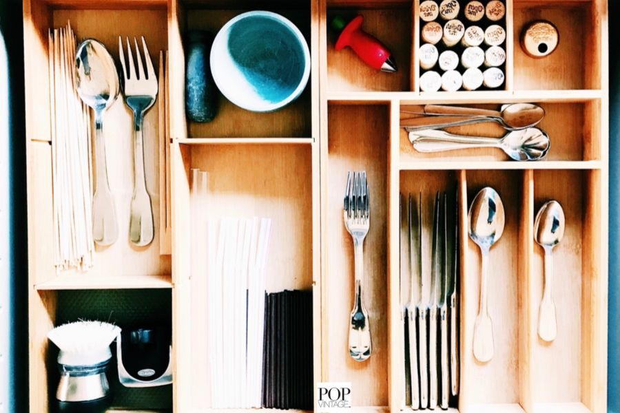 how to organize utensil tray in kitchen drawer